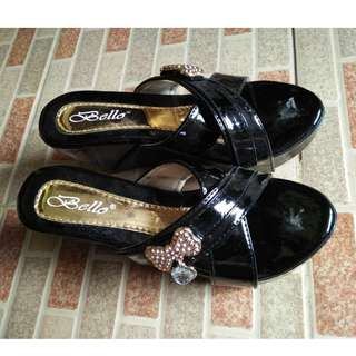 F07-Wedges size 36, warna hitam