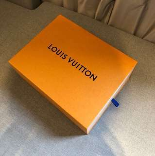 LV Louis Vuitton Shoe Box (large) 鞋盒 (大)送一個信封