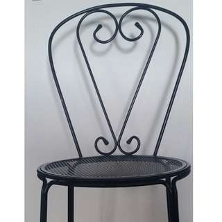 French Style Round Wood and Metal Dining Table Set w 4 Black Metal Chairs