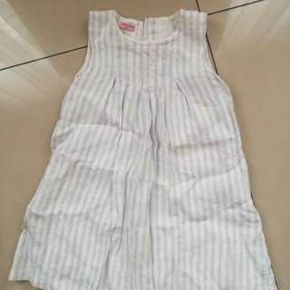 Sleeveless dress age 3