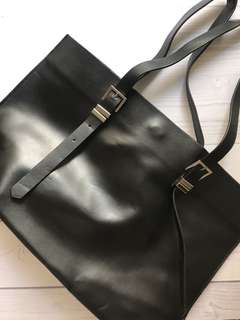 Zara trafaluc black tote bag 99%condition (never been used)