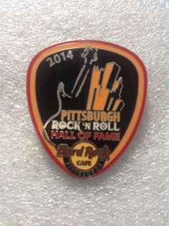 Hard Rock Cafe Pins - PITTSBURGH HOT & RARE 2014 ROCK N' ROCK HALL OF FAME GUITAR PICK!