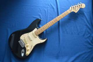 Guitar Squier by Fender Stratocaster Standard Series Crafted in Indonesia