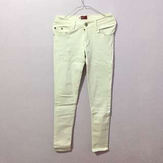 White stretch jeans celana putih
