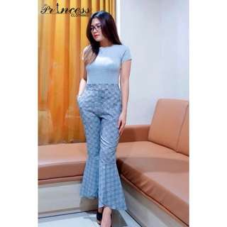 Checked wide pants  Idr 99.000 Material thick cotton with checked pattern,good quality cotton,tebal ya,pinggang karet.  p : 90 lp : 76-79 All size fit up to L warna : blue,red,black,brown Zara look alike