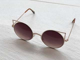 Cat Eye Sunglasses with gold frame by Rubi