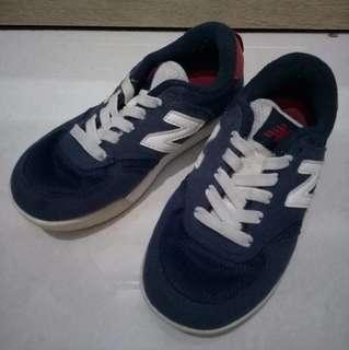 REPRICE!!!!!! Sepatu new balance size 30 mulus
