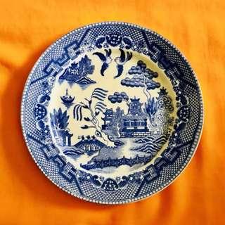 Medium porcelain Plate - Old & Unique - 8 inches diameter