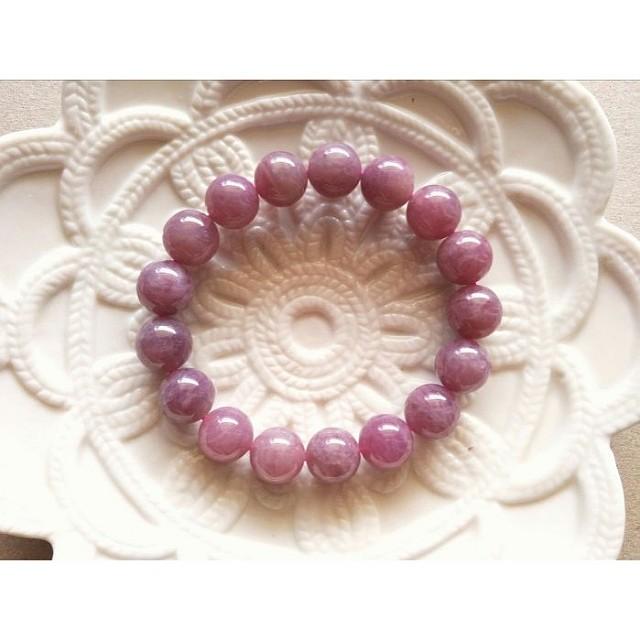 02號12MM招桃花天然老礦紫粉晶。馬達加斯加粉晶馬粉。手鍊手珠。現貨
