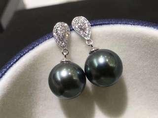 大溪地黑珍珠耳環 10-11mm 微微瑕 圓 顏色好  18K金鑲嵌鑽石💎 超有質感