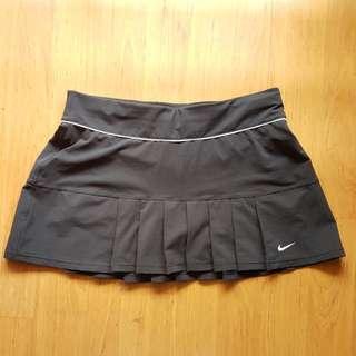 Nike skort (M)