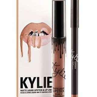 Kylie Jenner Lipstick+lipgloss set