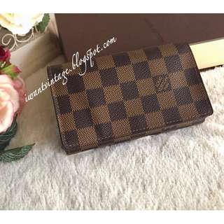 Louis Vuitton Medium Zippered Coin Wallet
