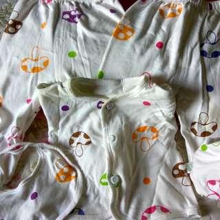 Pakaian Tidur (1 set New Born)