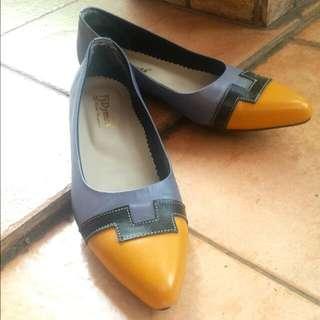 Flatshoes Mancung Kulit Abu Kuning