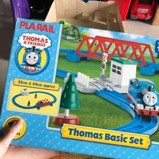 Thomas the train basic set