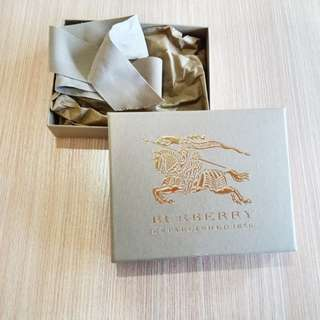 Burberry Wallet box original authentic with ribbon