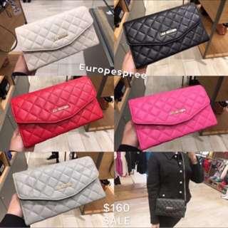 Moschino sling bag
