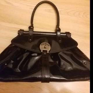 正貨FENDI 漆皮手挽袋(大款)深啡色 REAL FENDI PATENT LEATHER HANDBAG