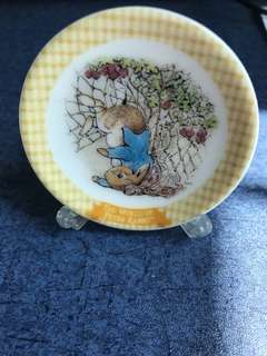 The world of peter rabbit    mini plate