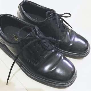 Red Cross 步操鞋