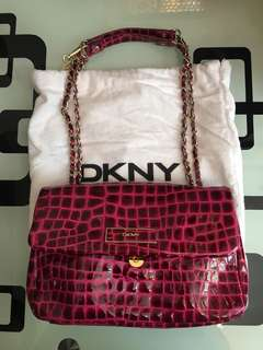 DKNY漆皮桃粉紅色手袋