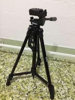 Nikon tripod SL168