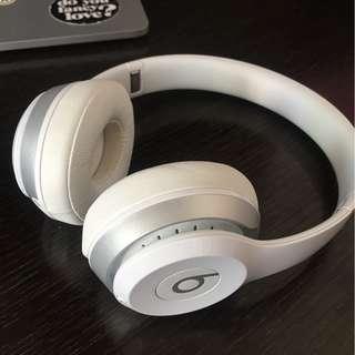 Beats wireless solo 2 wireless headphone