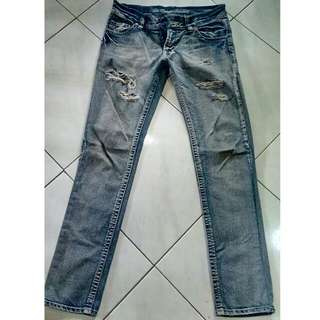 (Free ongkir) Ripped jeans slim fit 31