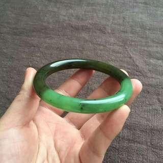碧玉双色苹果绿圆条手镯