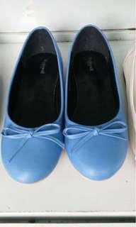 Blue 👠