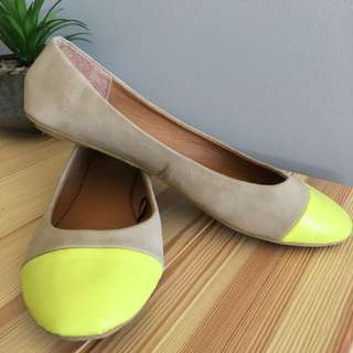 Nude and Yellow flats