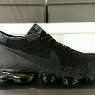 BUY 1GET1 Nike Vapormax Triple Black(For men and women)