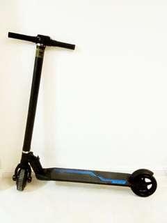 電動滑板車scooter 可用app控制