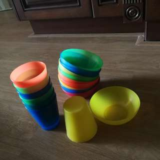 Idea's plastic cups and bowls