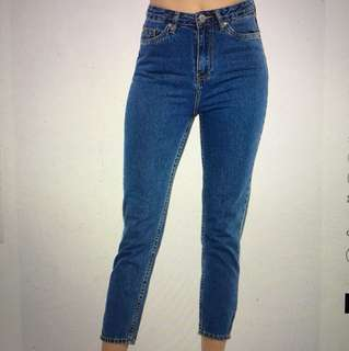Mom jeans size 7