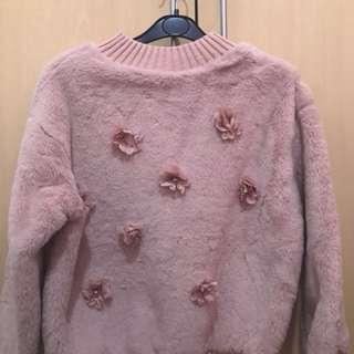 粉紅毛毛上衣