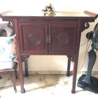 An exceptionally well crafted, solid Rosewood console table, see attached pics.