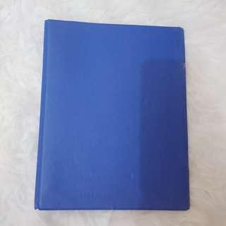 Binder biru polos