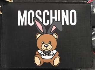 😍Moschino clutch bag $1180 順豐到付