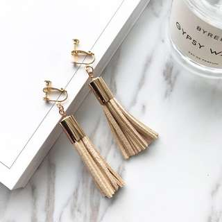 BN Popular Tassel Earrings