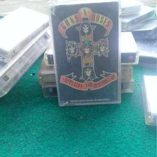 kaset pita GUNSROSE