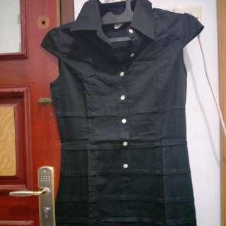 Dress casual hitam