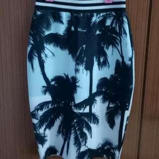 A Slim Tight Skirt