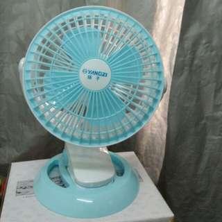 USB Fan 電風扇 20cm 直徑 diameter / 29cm 高 height