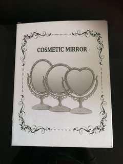 Comestic mirror