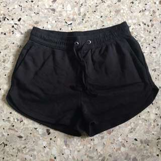 H&M black sweatshirt shorts