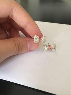 Diamond ribbon earring