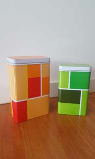 Moving sale: Storage containers (3 pieces)