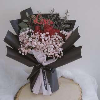 Red Kenya Rose Hand Bouquet (Deluxe)